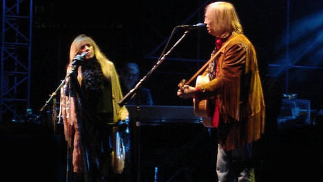 """Tom Petty with Stevie Nicks - """"Learning to Fly"""" - Live 2006"""