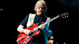"""The Moody Blues - """"Nights in White Satin"""" - Live 2000 (with The World Fest Orchestra)"""