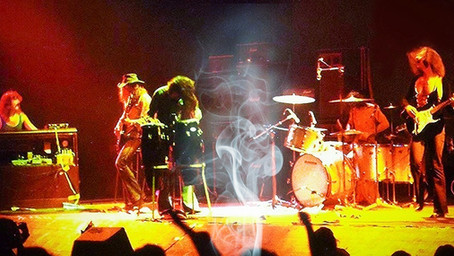 Deep Purple - Smoke On The Water (Live Film Clip)