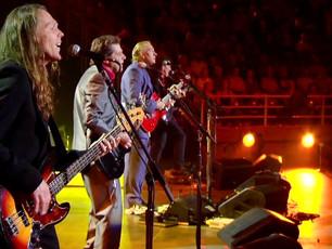 "Eagles - ""Hotel California"" - Live 2005 (Farewell Concert in Melbourne)"