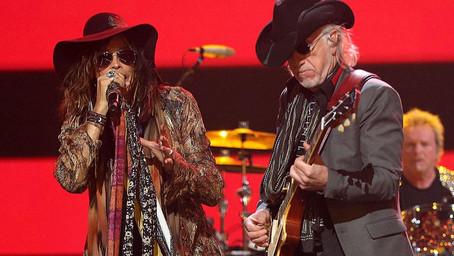 Aerosmith - Cryin' - Live 2004