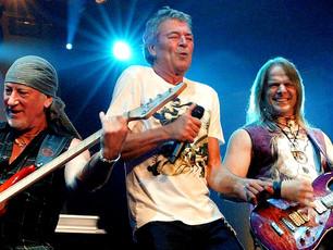 """Deep Purple - """"Smoke On The Water"""" - Live 2010"""