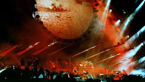 "Pink Floyd - ""Shine on You Crazy Diamond"" - Live 1994"
