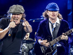 AC/DC - You Shook Me All Night Long - Live at the River Plate 2009
