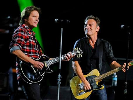 "John Fogerty & Bruce Springsteen - ""Pretty Woman"" - Live 2009"