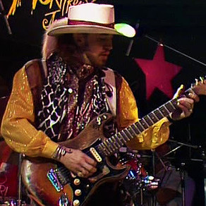 Stevie Ray Vaughan - Scuttle Buttin' & Say what! - Live 1985