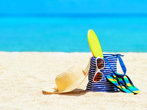 Heading on a vacation soon? Here's my essential beach vacation checklist!