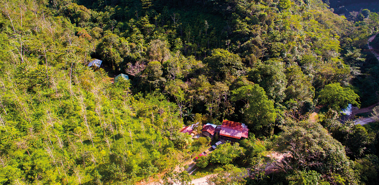 Vista aérea de cabañas