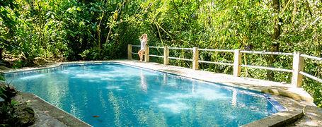 Finca Sacmoc piscina rodeada de naturaleza .jpg