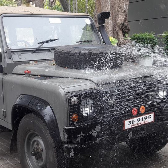 The Second EleVets Land Rover