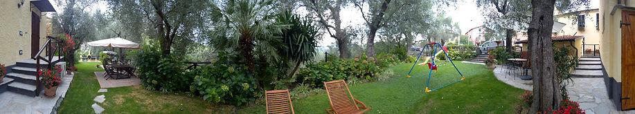 Paanoramica accesso interno alle aree verdi, spazio gioco, area ristoro e barbecue