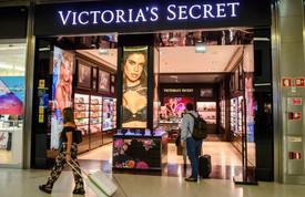 Victoria's Secret Closing 250 Stores