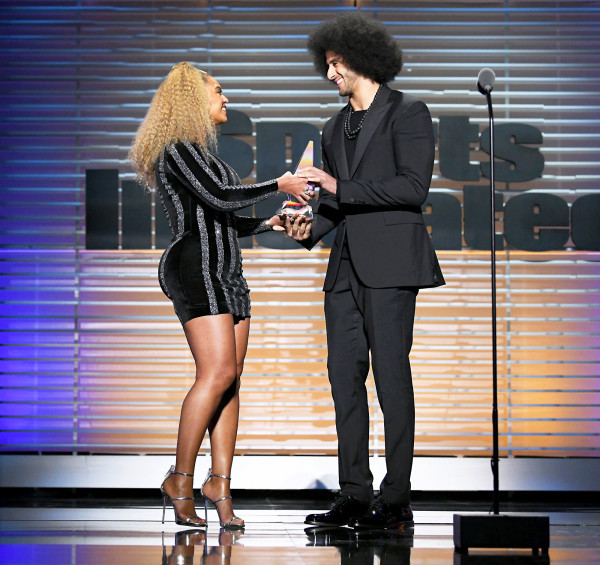 Beyonce Makes a Surprise Appearance to Present Colin Kaepernick With Sports Illustrated Award