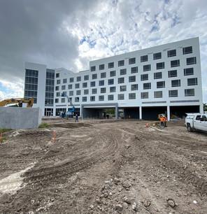 Radisson-Red-Hotel-(10).jpg