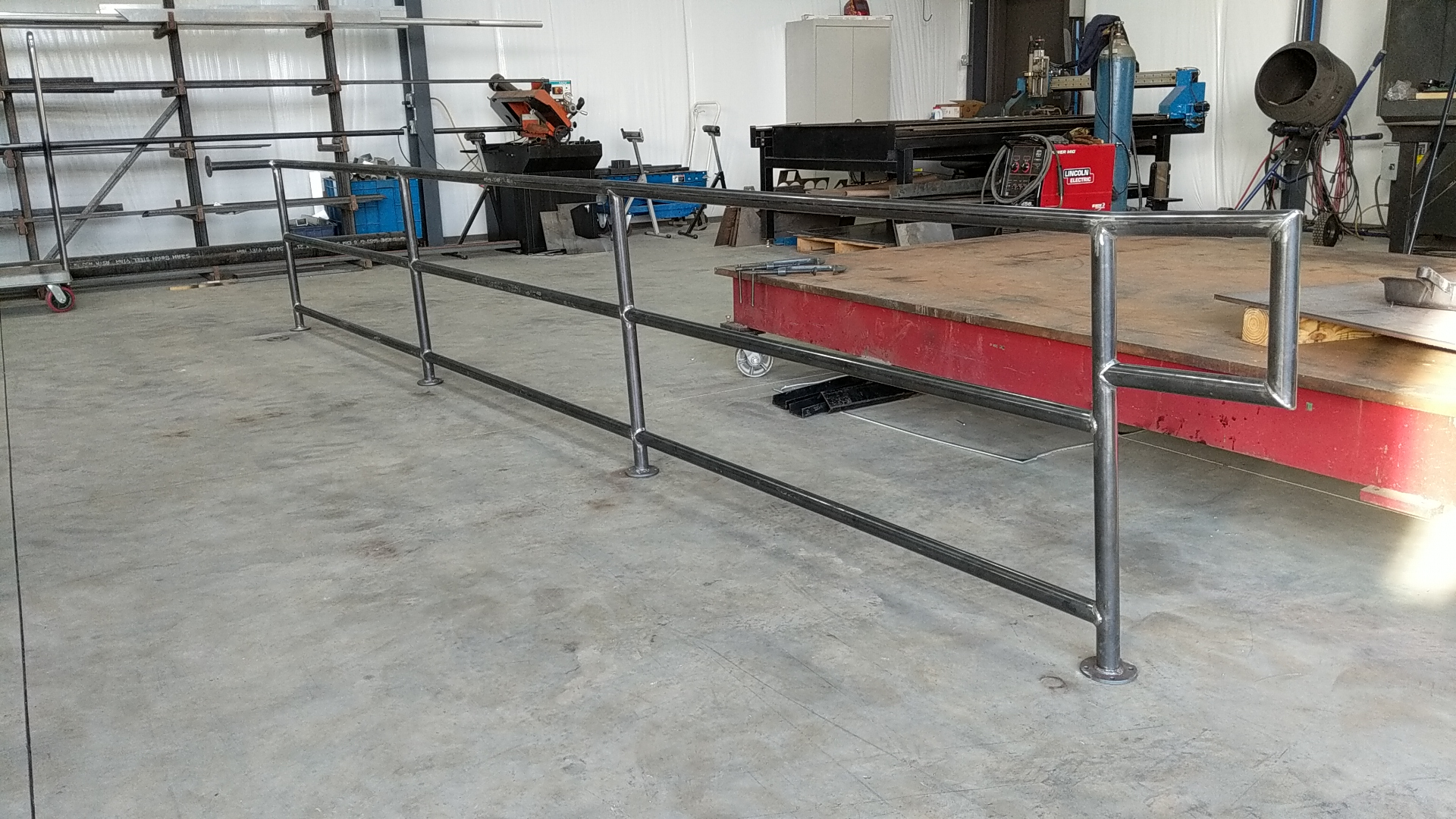 Restaurant hand railing