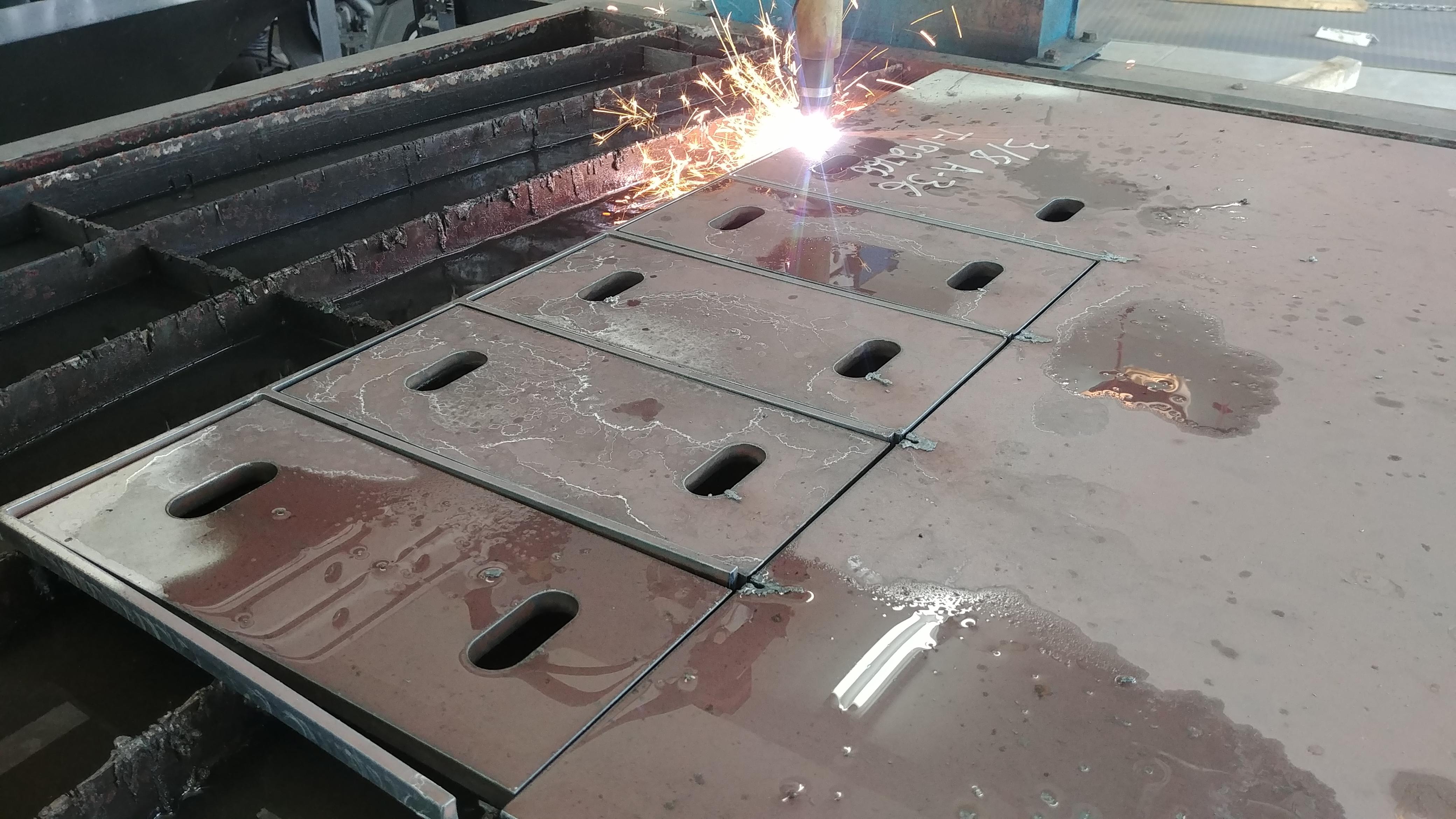 Cutting base plates