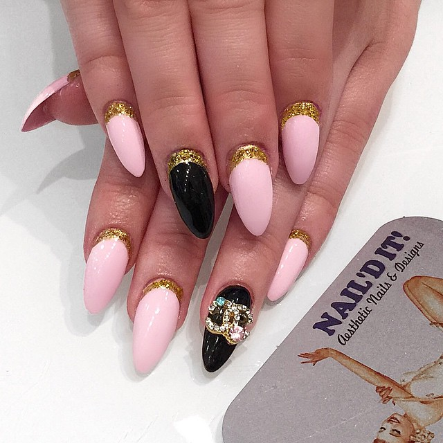 Chanel bling by _boondawwg 💎💎💎 #nailditsalon#hollywood#nailartwow#nailartdesigns#nailartclub#nail