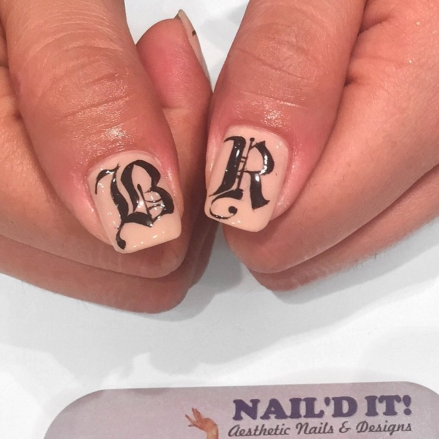 Close up of the hand-painted Old English letters by__boondawwg__#nailditsalon#hollywood#nailart#nail