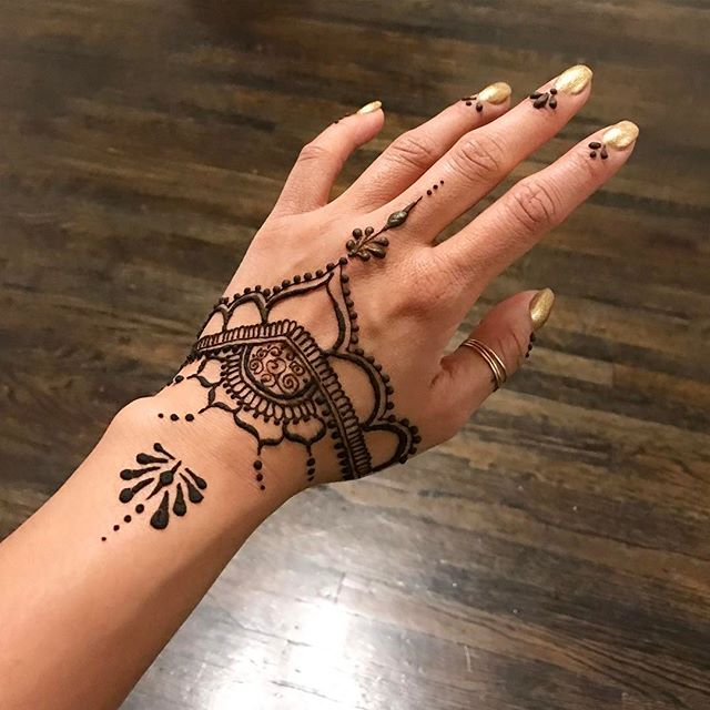 Henna ✨ #nailditsalon #naildithollywood