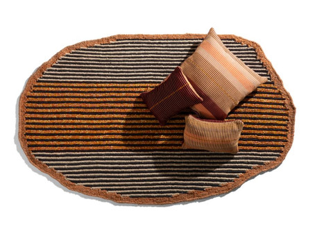 Ames: Natural fibres and metal threads, hand-woven