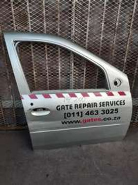 NISSAN NP200 RIGHT SIDE DOOR AUTO PARTS ONLINE SA