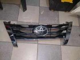 Toyota fortune grill AUTO PARTS ONLINE SA