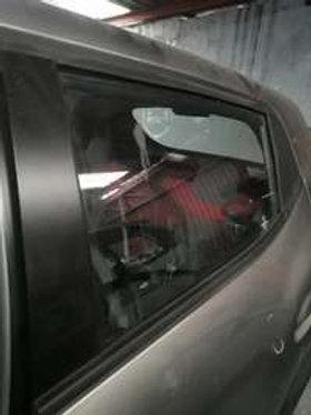 Renault kwid door glass AUTO PARTS ONLINE SA