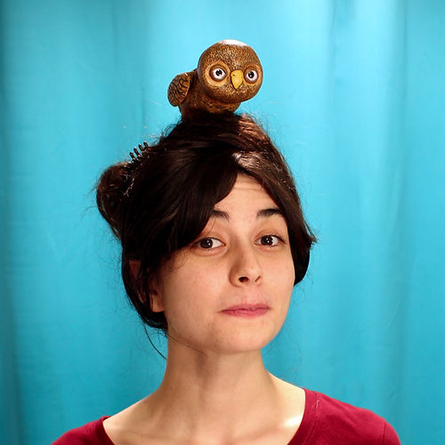 Owl on head, Susi Lopera
