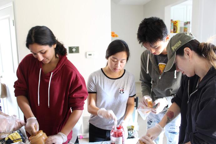 Preparing Sandwiches