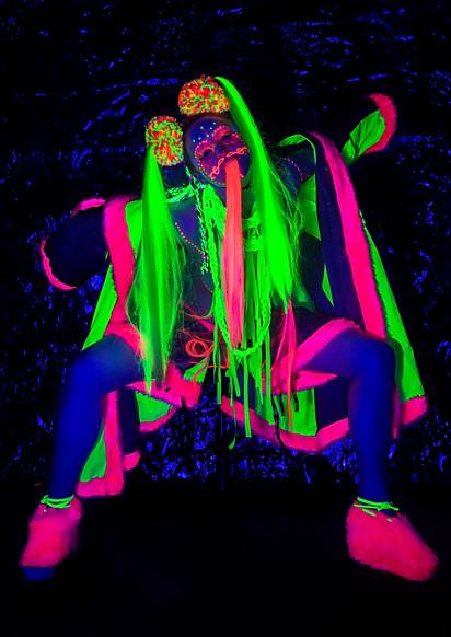 Neon Art April 17-8995.jpg