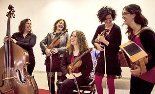 Coloma Bertran Les Violines folk catalan music violí tradicional