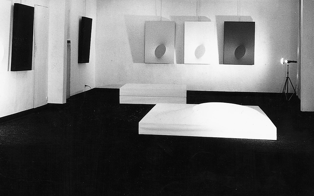 mostra personale, galleria cadario, 1968.jpg