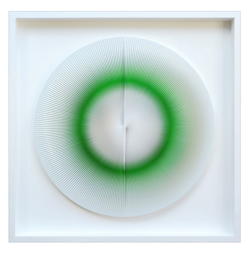 2-ALLEGRA-RAVIZZAAlberto-Biasi-Variable-round-image-1975-rilievo-in-pvc-su-tavol