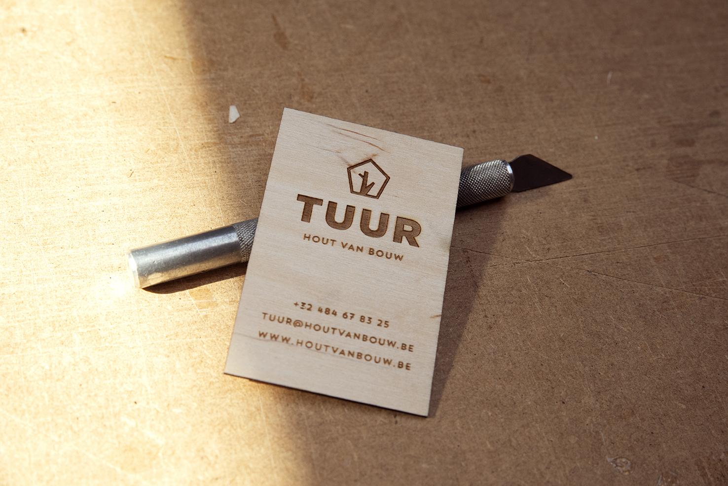 visitekaartje in hout