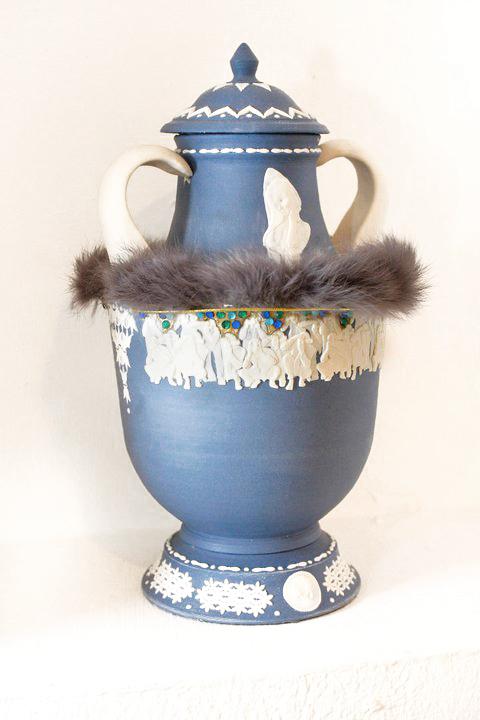 more vase2