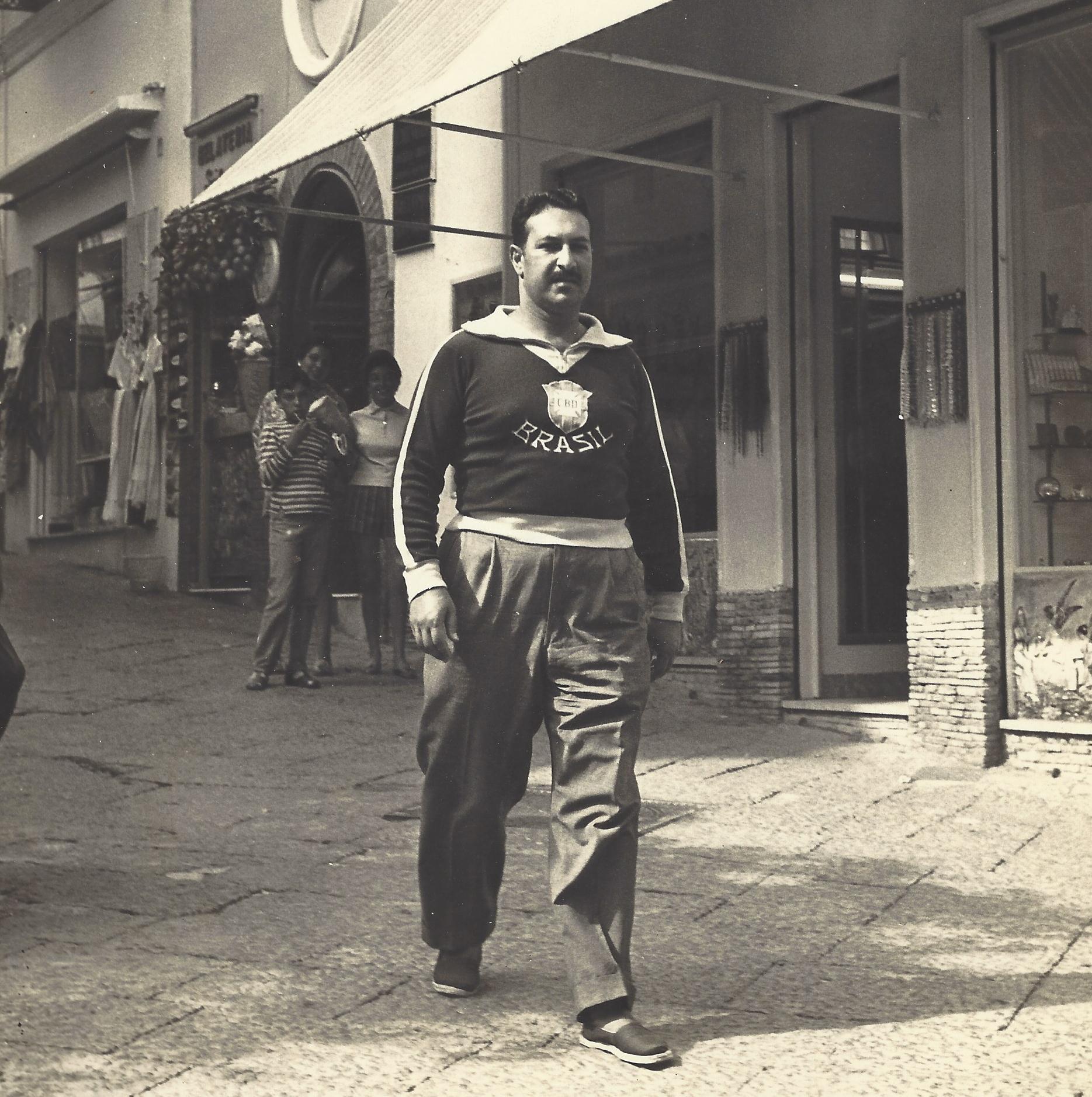 4caprinapoles1957.jpg