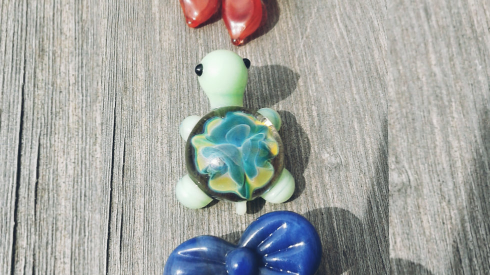 2 Bows and a Turtle-set of pendants