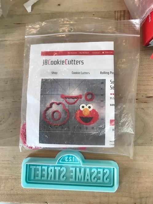 Elmo Cutter & Sesame Street Impression/Cutter