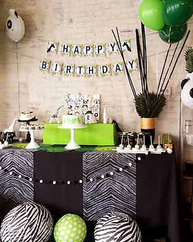 Modern-Safari-Panda-Birthday-Party-via-K