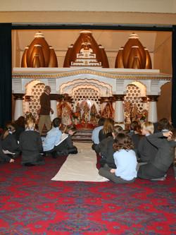 08.11.07 Hindu Mandir d