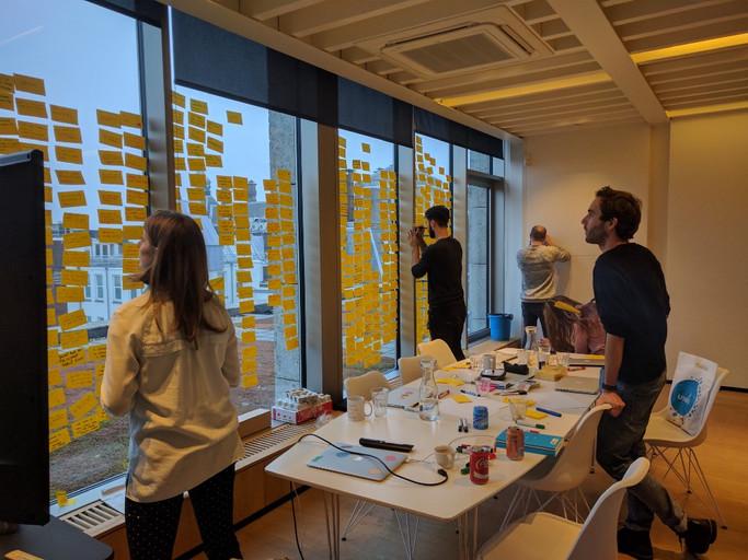Agile.DesignThinking.PostIts.jpg
