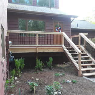 Medium Front Landing with Stairs Angle 4
