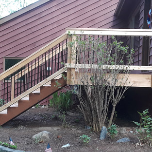 Medium Front Landing with Stairs