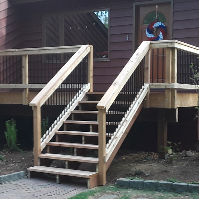 Medium Front Landing with Stairs Angle 5