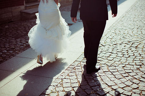 Classic weddings and brides ready to tie the knot - who want a classy wedding.