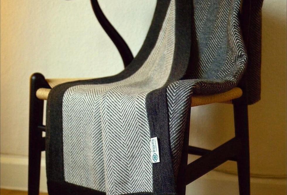 HYGGE XL Herringbone Cashmere Blanket- Charcoal black