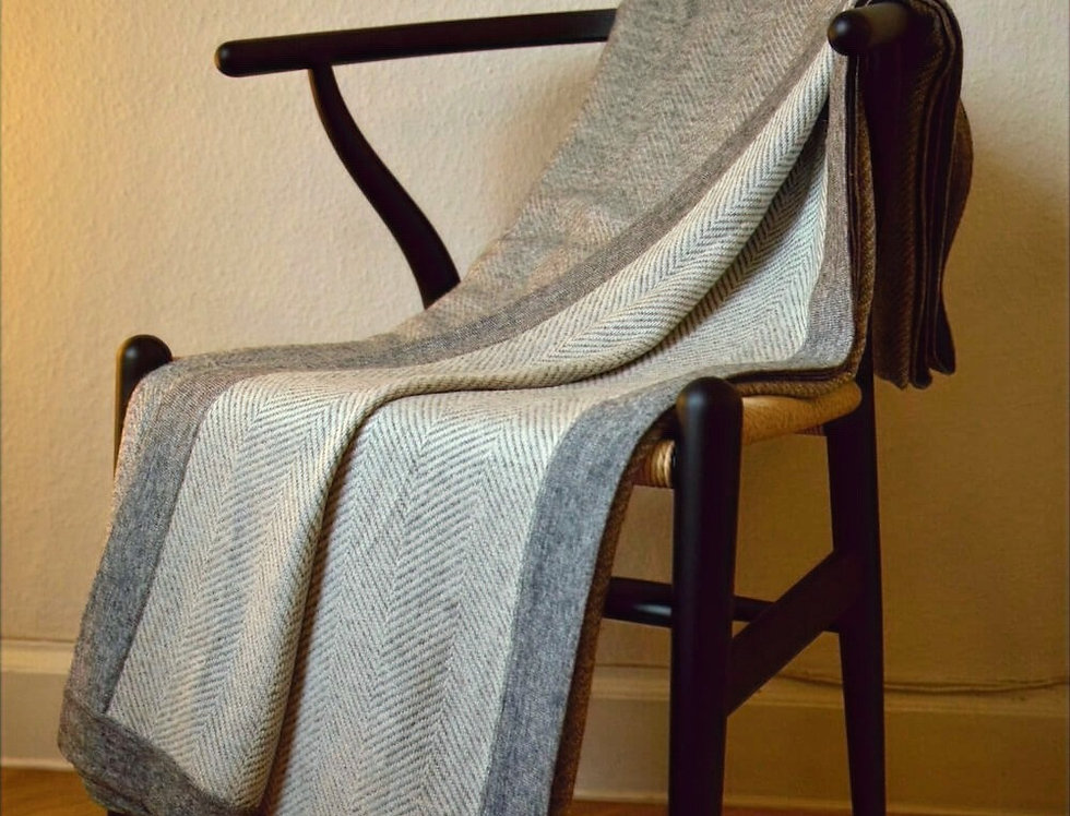 HYGGE XL Herringbone Cashmere Blanket- Grey edition