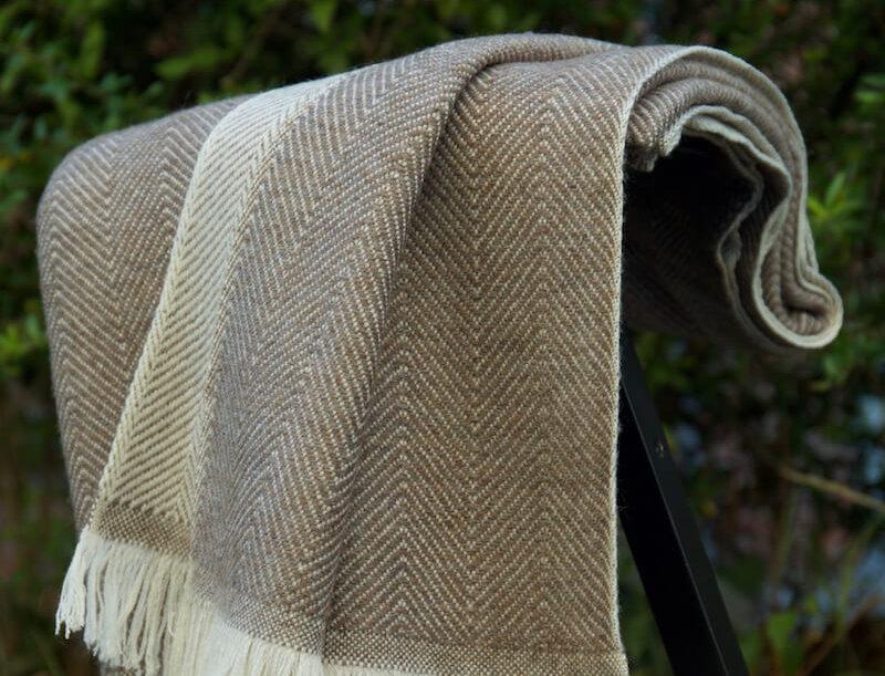 HYGGE Reversible Cashmere Blend Blanket-Brown