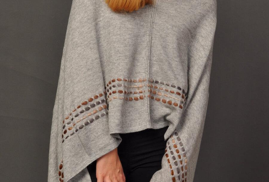 PEBBLES Woollen Poncho- Gray