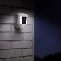Ring spotlight cam battery Lifestyle